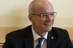 Presidente-Commissario alla sanità: Toma contro Grillo.