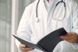MEF: avviso di selezione per il reperimento di 220 medici specialisti per le commissioni mediche